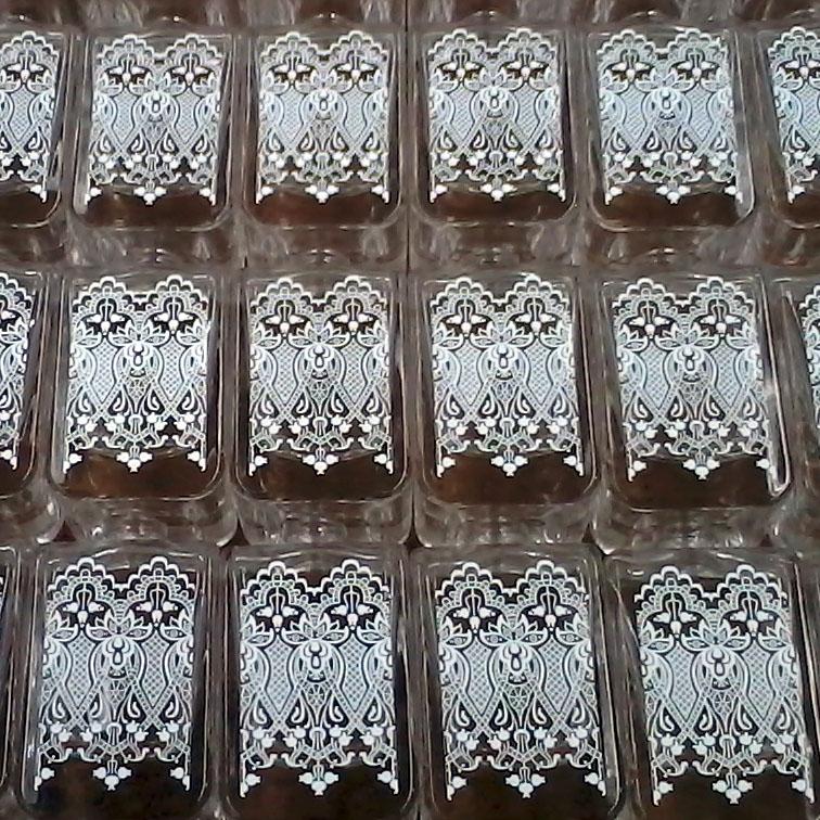 Pad printing on glass bottles